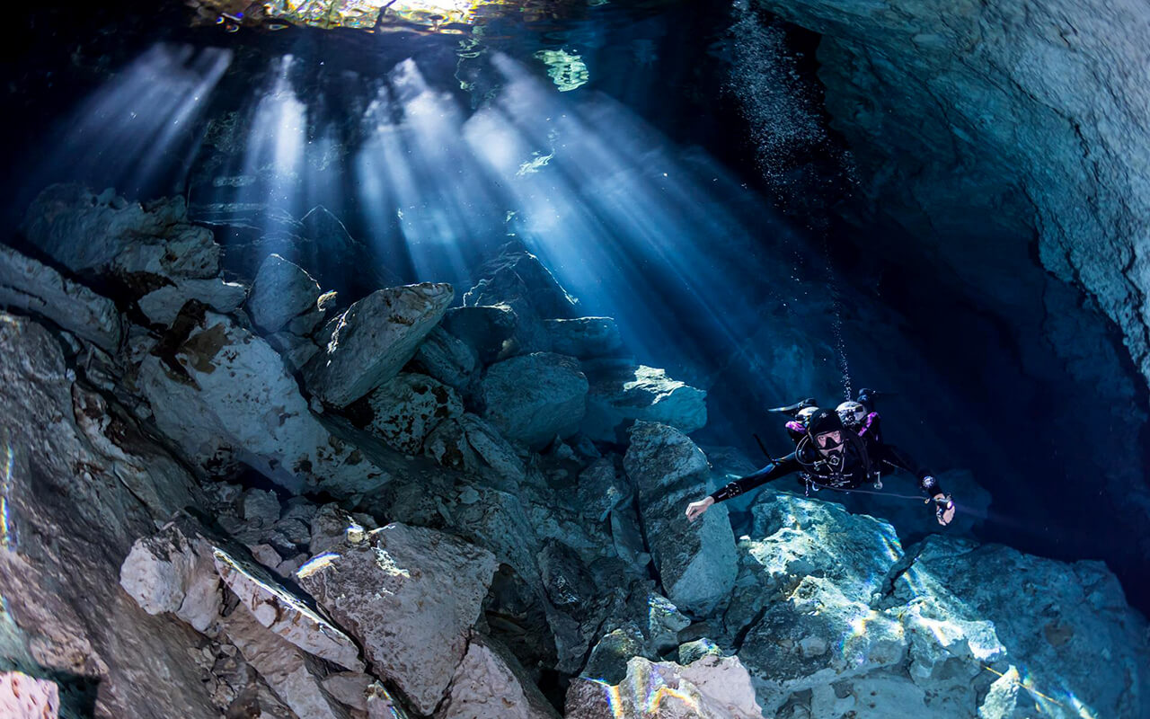 CAVERN DIVING | CENOTE XPLORE